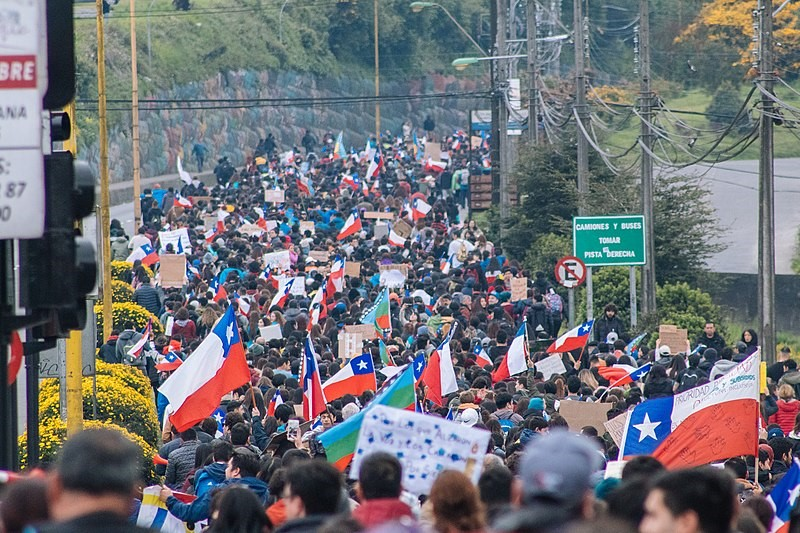Protesters flood the street in Puerto Montt, Chile. Photo courtesy of Natalia Reyes Escobar.